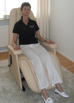 De Physio Acoustic therapie stoel in gebruik